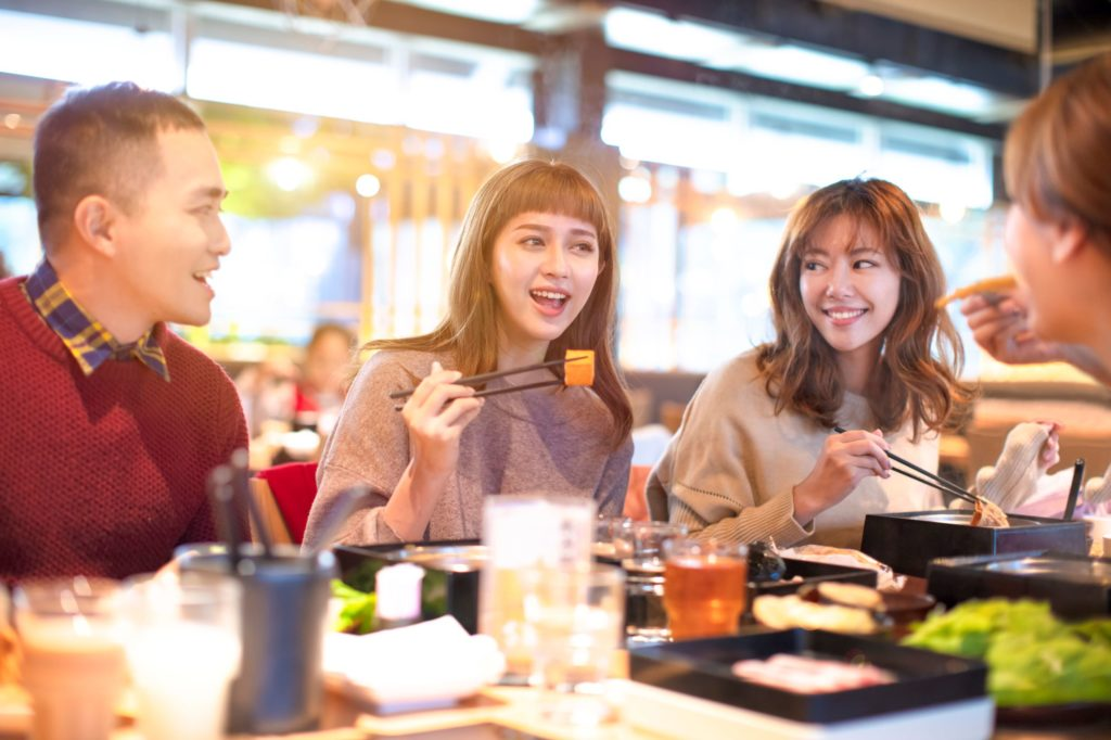 Students eating in Perth Restaurants